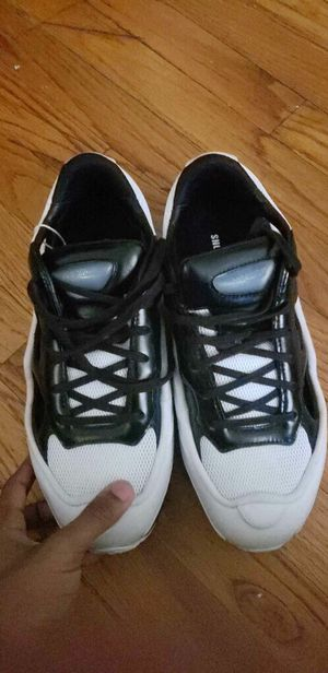 RAF Simmons white/black size 8 & have to come pick them up for Sale in Washington, DC