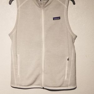 Patagonia womens Better Sweater 2 Pocket vest off Zip Up Beige Color size Medium for Sale in Fort Bliss, TX