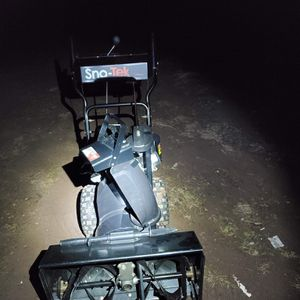 Ariens Sno-tek 24 inch Snowblower for Sale in Frederick, MD
