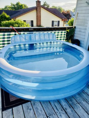 💦 INTEX Swim Center Inflatable Family Lounge Pool 💦 for Sale in Los Angeles, CA