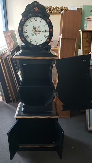 Antique style clock for Sale in Las Vegas, NV