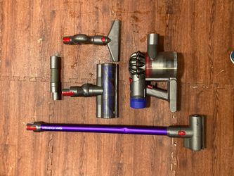 dyson v8 animal pro Cordless vacuum with six attachments and charger for Sale in Heath,  TX