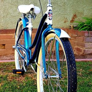 "Phat cycles ""Sea Crest"" 3 Speed Aluminum Beach Cruiser Bike 26"" EXCELLENT CONDITIONS!! for Sale in Whittier, CA"