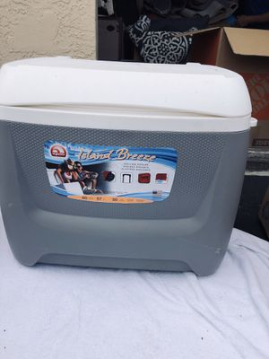 Cooler for Sale in Delray Beach, FL
