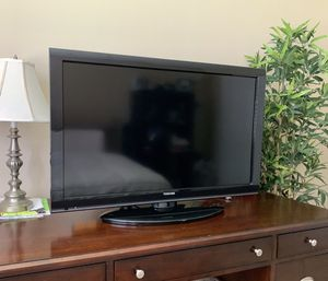 HD TV Toshiba 40-inch 1080p LCD, Black for Sale in Fort Lauderdale, FL