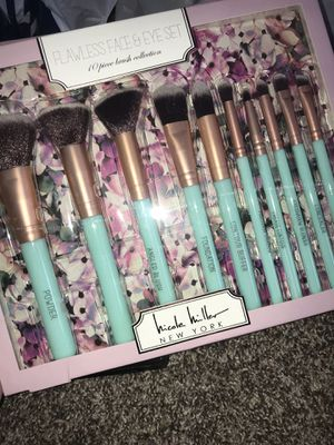 Makeup brushes for Sale in Pittsgrove Township, NJ