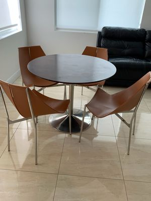 Kitchen table and four chairs for Sale in North Miami Beach, FL