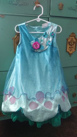 Trolls dress up fits 4-6X for Sale in Beaumont, CA