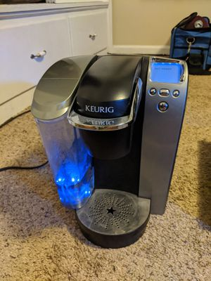 Keurig K70 with cup holding Keurig brand base for Sale in Salt Lake City, UT