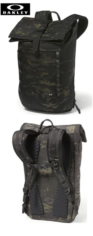 New Black Multicam Oakley 23L Roll Top Backpack for Sale in Lake Forest, CA