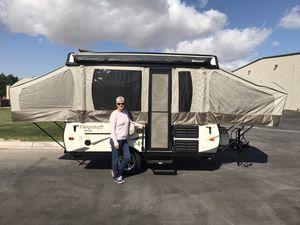 Forest River Flagstaff Mac 15 ft pop up camper for Sale in Las Vegas, NV