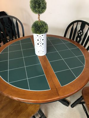 Antique table it's in excellent condition for Sale in Portland, OR