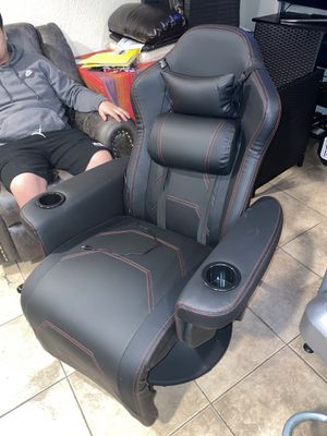 Gaming Chair Oxbrook for Sale in Los Angeles, CA