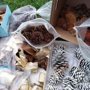 Wreath, Christmas Decor Materials for Sale in Menifee, CA