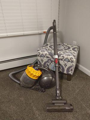 Dyson big ball multi floor vacuum for Sale in Auburn, MA