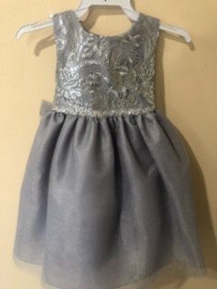 New Silver Gray Flower Girls Party Dress Size 3T for Sale in Hacienda Heights, CA