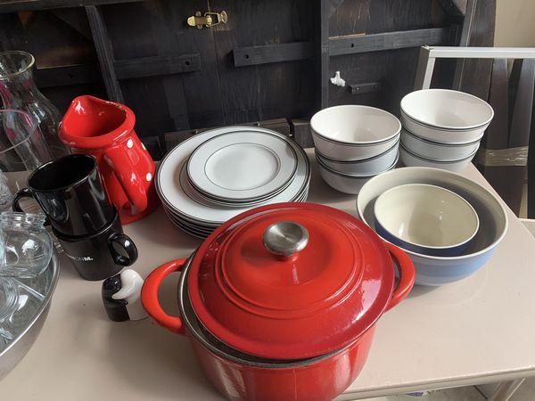Kitchen stuff- everything must go!