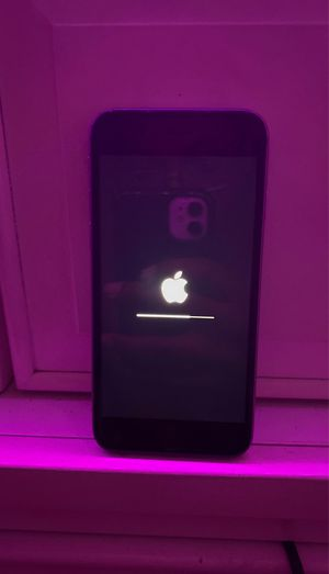 iPhone 6s for Sale in Stone Mountain, GA