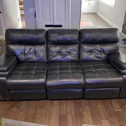 American Signature Leather Couch for Sale in Huntington Woods,  MI