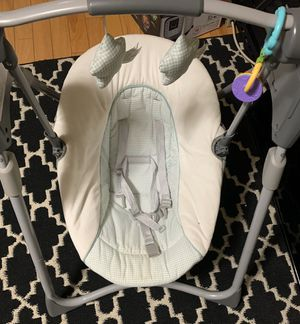 Graco Slim Spaces Compact Baby Swing for Sale in Rancho Cucamonga, CA