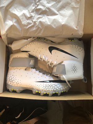 Nike football cleats size 10.5 never worn for Sale in Milan, IL