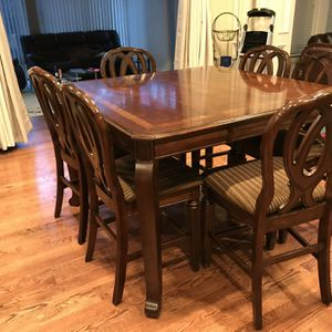 Beautiful Cherry Colored Wood Breakfast Table And 6 Chairs Perfect For Family Feast for Sale in Lilburn, GA