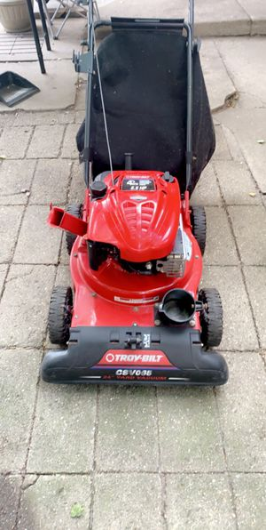 Troy Bilt Yard Vacuum for Sale in Peoria, IL