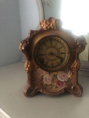 Antique clock for Sale in Martinez, CA