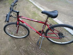 """2 schwinn mountain bikes 26"""" both in really nice condition for Sale in Modesto, CA"""