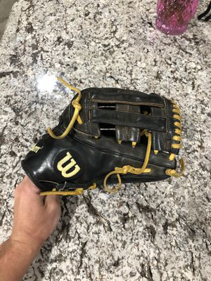 Wilson a2k glove for Sale in Fontana, CA