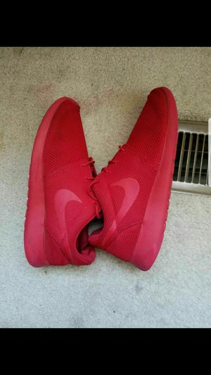 Roshe Run Size 10. (Must Pick Up) for Sale in Indianapolis, IN