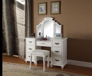 Makeup vanity mirror for Sale in Lakeland,  FL