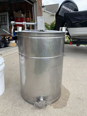 Honey extractor and supplies. for Sale in Minooka, IL