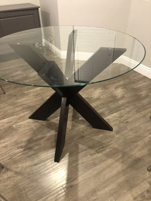 Circular Dining Table for Sale in Vista, CA