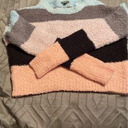 Sweater for Sale in Roselle Park,  NJ