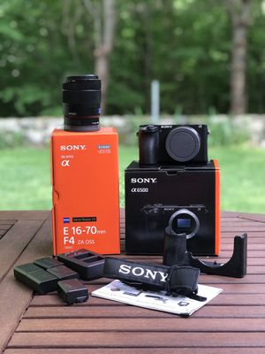Sony A6500 camera + lense for Sale in Lincoln, RI