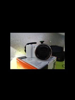 Sony a5100 white **bundle** for Sale in Moreno Valley, CA