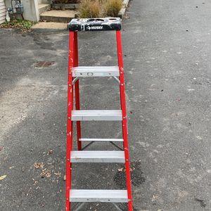 Husky 5 Foot Fiberglass ladder for Sale in Brielle, NJ