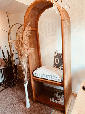 Large rare wicker and wood shelf/bench for Sale in Worthington, OH