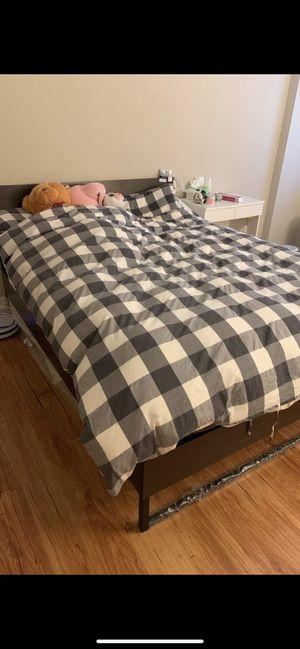 Queen size bed set for Sale in Alexandria, VA