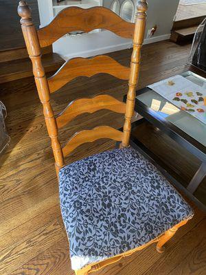 6 dining room chairs (2 head) for Sale in El Cerrito, CA