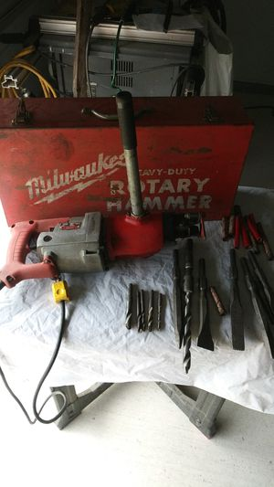 Milwaukee heavy-Duty electric Rotory hammer for Sale in Brownsville, TX
