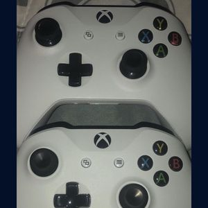 Xbox One Controllers for Sale in San Jose, CA