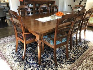 Solid Mahogany dining set - must arrange own pickup & delivery for Sale in McLean, VA