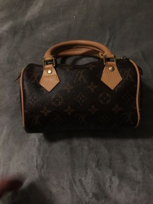 Louis Vuitton small hand bag/ mini speedy for Sale in Worcester, MA
