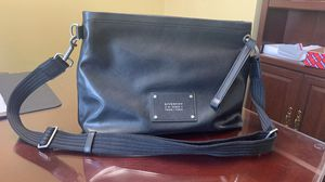 GIVENCHY MEN'S BLACK TAG MESSENGER BAG, - BLACK for Sale in Los Angeles, CA