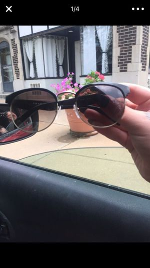 Real Prada Sunglasses women's for Sale in St. Louis, MO
