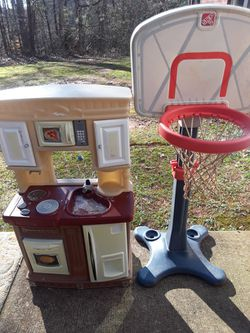 Toys Basketball Hoop And Kitchen for Sale in Flowery Branch,  GA