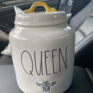 Rae Dunn Queen Bee Chubby Large Canister for Sale in Phoenix, AZ