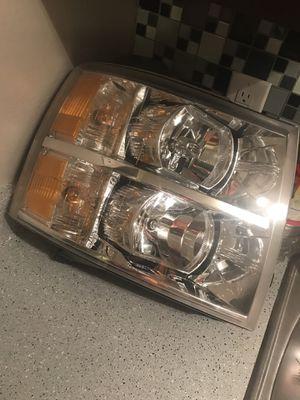 09-14 Chevy Silverado headlight for Sale in Dallas, TX